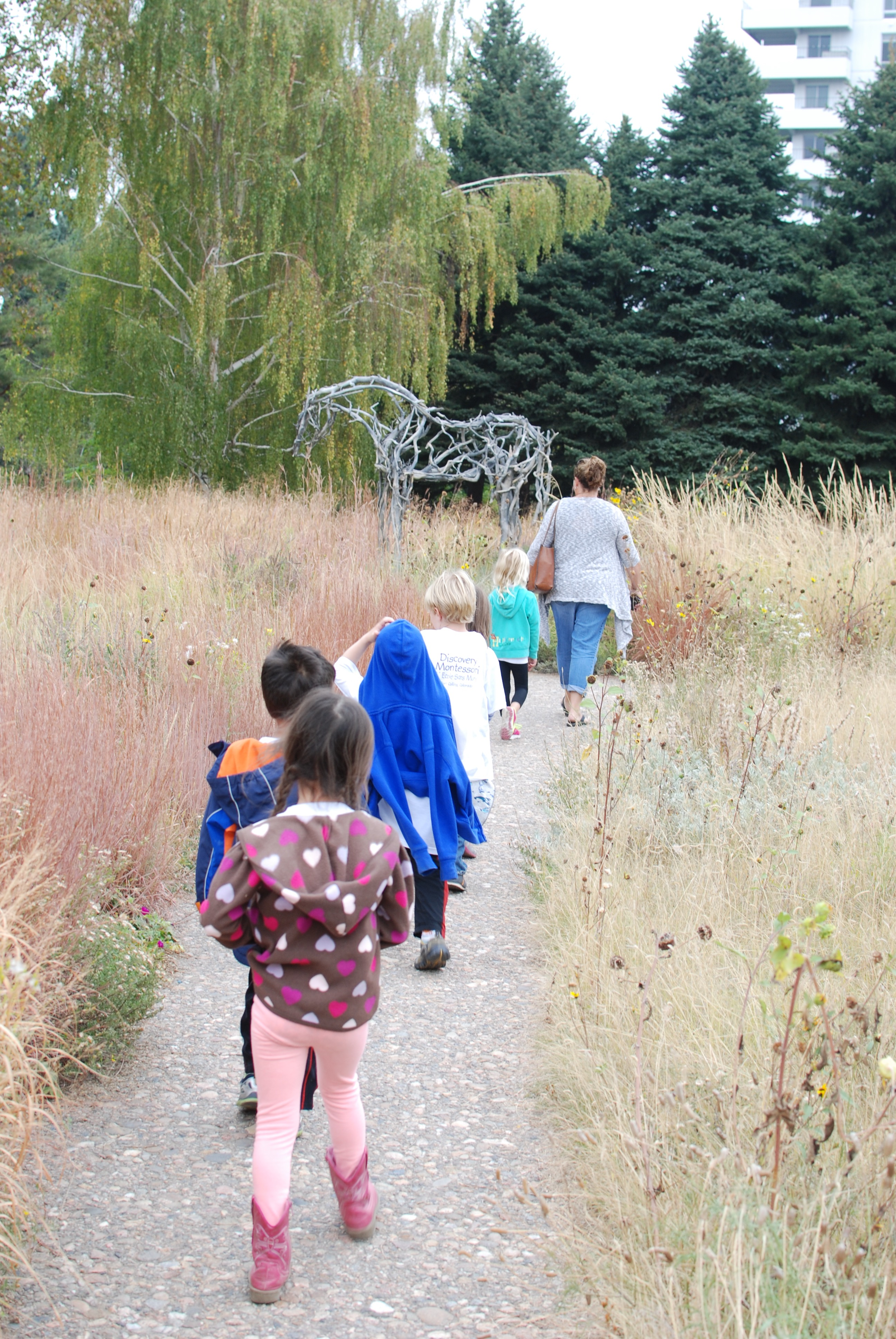 Kindergartners on an adventure through the Denver Botanic Gardens